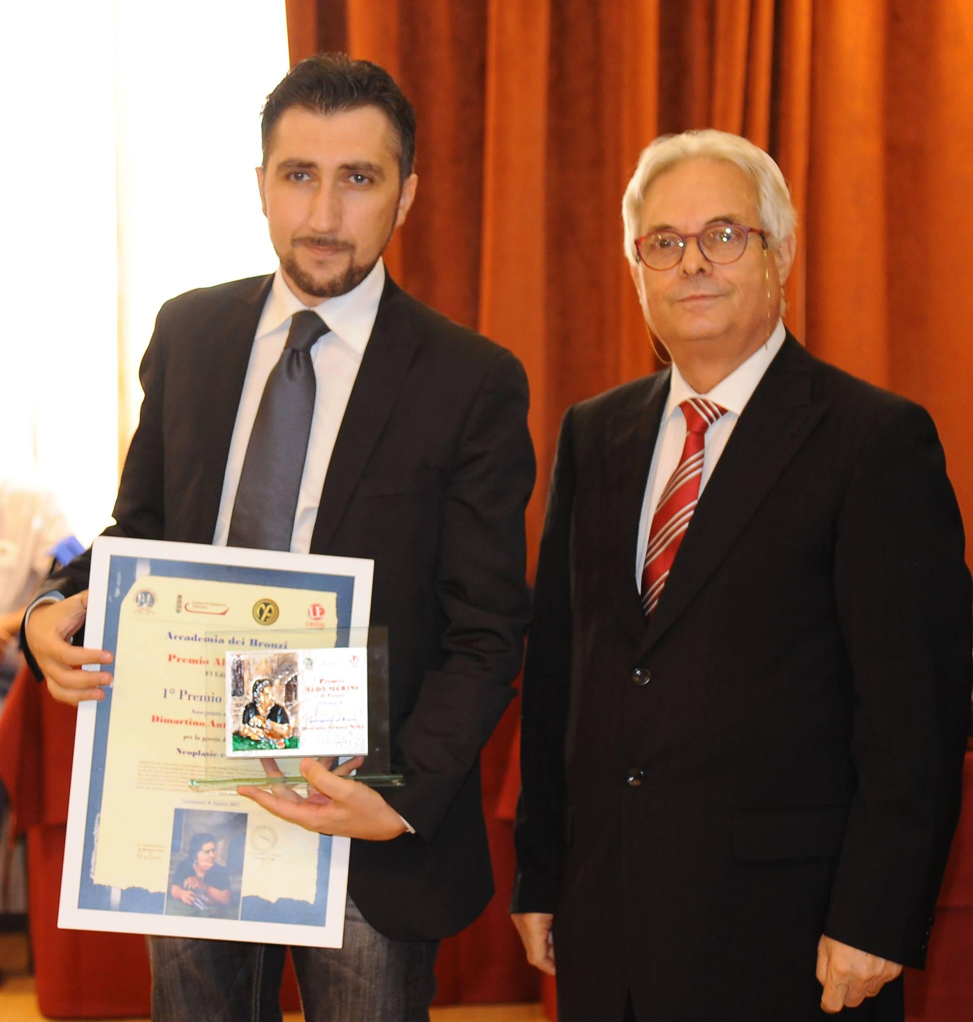 Premio Merini: Dimartino, poeta tarantino, ritira la targa d'argento di Michele Affidato